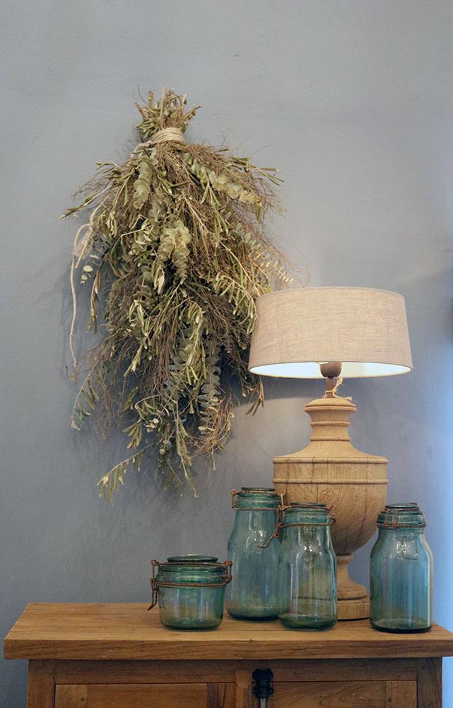 duurzame materialen in de vorm van glas, hout, linnen, duurzaamheid is het streven van Interisfeer