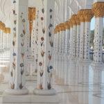 geschilderde zuilen met bladgoud in Dubai ter inspiratie
