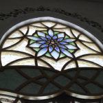 glas in lood raam in Dubai ter inspiratie