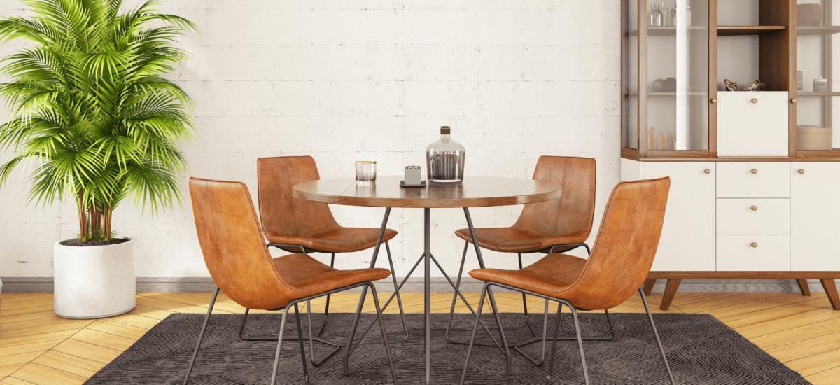 jadalnia ze skórzanymi krzesłami
